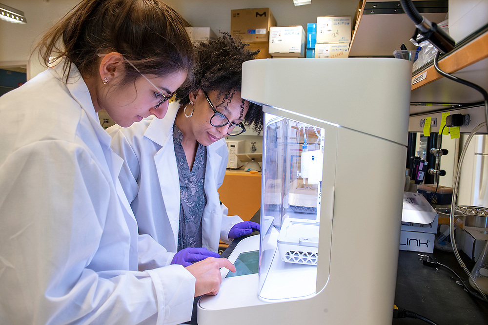 © Photo by Mara Lavitt<br /> October 23, 2019<br /> Malone Building Yale University, New Haven, CT<br /> <br /> Anjelica Gonzalez, associate professor of biomedical engineering, and 4th year graduate student Rita Matta working in the lab.