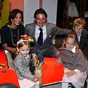 NLD/Apeldoorn/20081101 - Opening tentoonstelling SpeelGoed op paleis Het Loo, Maurits en Marilene met kinderen Anna, Lucas en Felicia