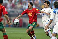 Fotball<br /> Euro 2004<br /> Portugal<br /> 16. juni 2004<br /> Foto: Dppi/Digitalsport<br /> NORWAY ONLY<br /> Portugal v Russland 2-0<br /> GOAL MANICHE (POR) / VADIM EVSEEV (RUS)