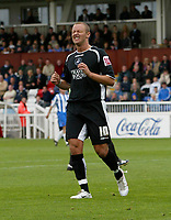 Photo: Andrew Unwin.<br />Hartlepool Utd v Swansea. Coca Cola League 1.<br />17/09/2005.<br />Swansea's Lee Trundle cannot believe he's missed such a good chance to score.
