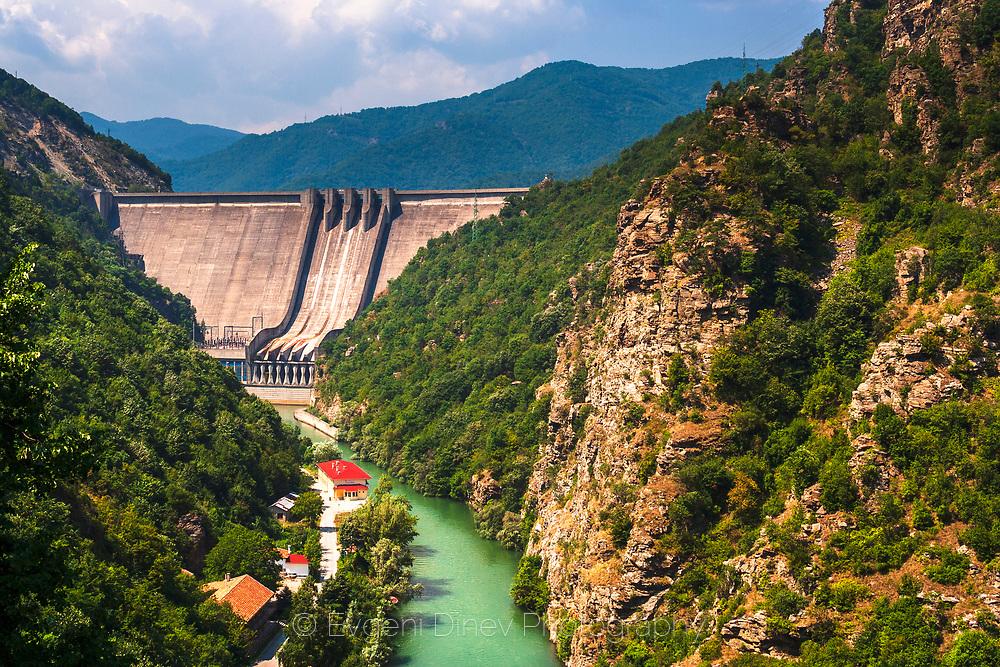 A dam between Krichim and Vacha reservois