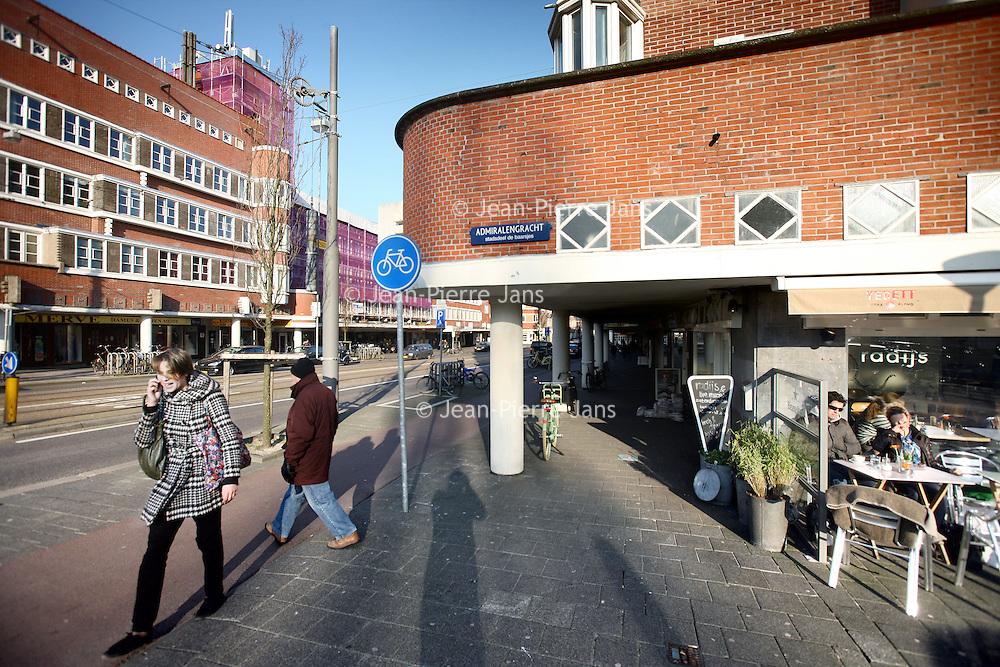 Nederland, Amsterdam , 8 maart 2011..Het gedeelte Jan Evertsenstraat ter hoogte van de Admiralengracht. De situatie aldaar lijkt verbeterd..Recentelijk was hier amper 50 meter vandaan nog een juwelier vermoord..Foto:Jean-Pierre Jans