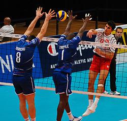 14.09.2011, Stadthalle, Wien, AUT, CEV, Europaeische Volleyball Meisterschaft 2011, Frankreich vs Tuerkei, im Bild Serhat Coskun, (TUR, #9, Wing-Spiker) gegen Marien Moreau, (FRA, #8, Opposite) und José Trefle, (FRA, #1, Middle-Blocker) // during the european Volleyball Championship France vs Turkey, at Stadthalle, Vienna, 2011-09-14, EXPA Pictures © 2011, PhotoCredit: EXPA/ M. Gruber