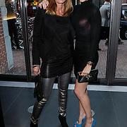NLD/Amsterdam/20120420 - Show Joan Collins, Kimberly Klaver en haa moeder