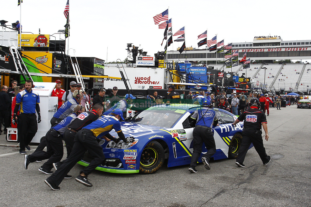 September 22, 2017 - Loudon, New Hampshire, United States of America - September 22, 2017 - Loudon, New Hampshire, USA: Jimmie Johnson (48) makes contact with the wall resulting in the crew having to pull out a backup car for the ISM Connect 300 at New Hampshire Motor Speedway in Loudon, New Hampshire. (Credit Image: © Justin R. Noe Asp Inc/ASP via ZUMA Wire)