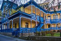 Géorgie, région de Samtskhé-Djavakhétie, Borjomi, station touristique thermale, architecture traditionnelle // Georgia, Caucasus, Samtskhe Djavakhetie region, Borjomi, thermal spring, traditional architeture