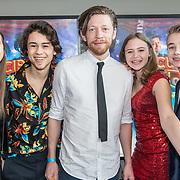 NLD/Utrecht/20190414 - Premiere Circus Noël, Samuel Beau Reurekas, Luna Wijnands, Steye van Dam en Nina Houston en Tommy van Lent