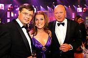 MIS(S) VERKIEZING 2007 vanuit Studio Baarn. De verkiezing van de  mooiste, slimste, charmantste en meest betrokken gehandicapte jonge vrouw van Nederland.<br /> <br /> Op de foto: Jan Peter Balkenende, Lucille Werner en Frits Wester