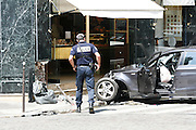 Tuesday June 24th 2008. Paris, France.A car accident..Rue des Acacias / Avenue Carnot - 17th Arrondissement...