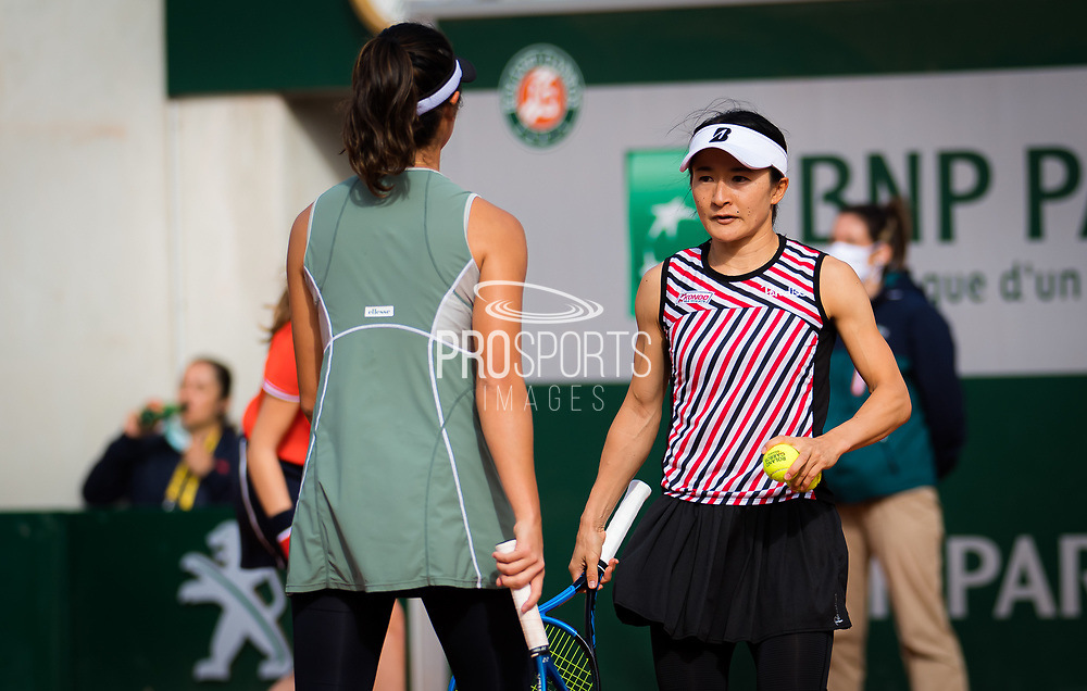 Shuko Aoyama and Ena Shibahara of Japan in action during the doubles quarter-final of the Roland Garros 2020, Grand Slam tennis tournament, on October 7, 2020 at Roland Garros stadium in Paris, France - Photo Rob Prange / Spain ProSportsImages / DPPI / ProSportsImages / DPPI