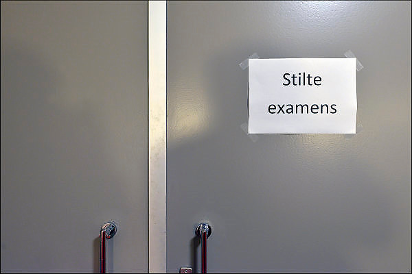 Nederland, Wijchen, 23-5-2015Op de deur naar een examenruimte hangt een vel papier met daarop geprint Stilte examens.FOTO: FLIP FRANSSEN/ HOLLANDSE HOOGTE