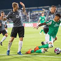 12.09.2020, Ernst-Abbe-Sportfeld, Jena, GER, DFB-Pokal, 1. Runde, FC Carl Zeiss Jena vs SV Werder Bremen<br /> <br /> <br /> René Lange (Carl Zeiss Jena #20) Davie Selke  (SV Werder Bremen #09)  Dennis Slamar (Carl Zeiss Jena #04)<br /> <br />  <br /> <br /> <br /> Foto © nordphoto / Kokenge