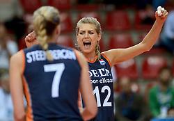01-10-2014 ITA: World Championship Volleyball Servie - Nederland, Verona<br /> Nederland verliest met 3-0 van Servie en is kansloos voor plaatsing final 6 / Manon Flier