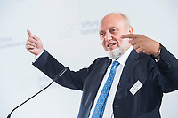 09 JUN 2016, BERLIN/GERMANY:<br /> Prof. Dr. Dr. h.c. mult. Hans-Werner Sinn, Oekonom und ehem. Praesident ifo Institut fuer Wirtschaftsforschung, Tag des deutschen Familienunternehmens, Stiftung Familienunternehmen, Hotel Adlon<br /> IMAGE: 20180609-01-058