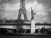 l'Amitié Éclairant le Monde : La Relation Franco-Américaine dans la Ville Lumière