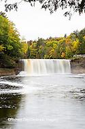 64797-00619 Tahquamenon Falls in fall, Chippewa County, MI