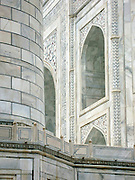 Detail of tower and front facade, the Taj Mahal, Agra.