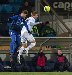 Marius Elvius Kolind (HB Køge) og Jonas Henriksen (FC Helsingør) under kampen i 1. Division mellem HB Køge og FC Helsingør den 4. december 2020 på Capelli Sport Stadion i Køge (Foto: Claus Birch).