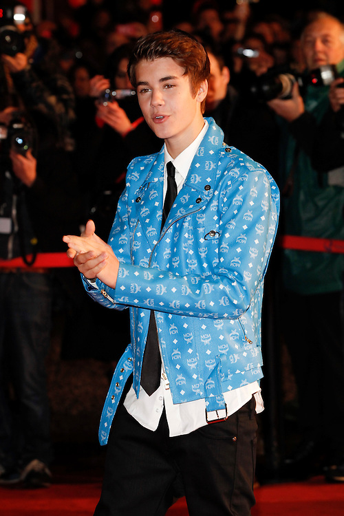 Justin Bieber arrives for the NRJ Music Awards 2012 at Palais des Festivals on January 28, 2012 in Cannes.Justin Bieber arrive pour les NRJ Music Awards 2012 au Palais des Festivals le Janvier 28 2012 à Cannes.
