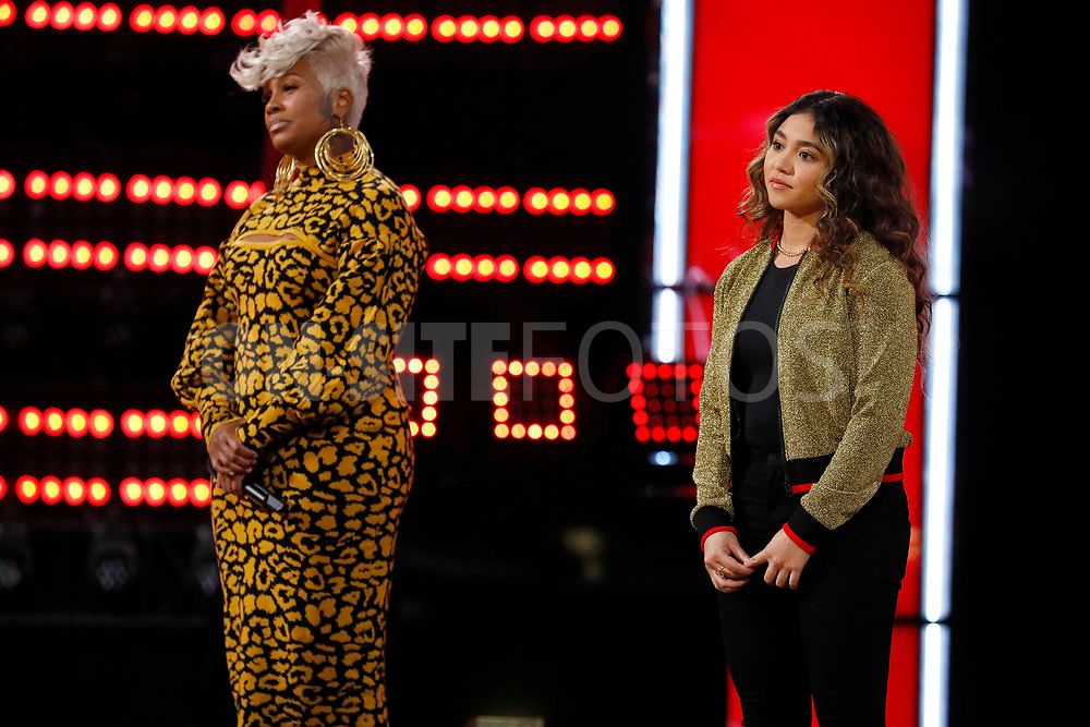 """THE VOICE -- """"Knockout Reality"""" Episode 2010 --  Pictured: (l-r) Pia Renee, Ciana Pelekai -- (Photo by: Trae Patton/NBC)"""