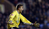 Photo: Leigh Quinnell.<br /> Reading v Southampton. Coca Cola Championship. 10/02/2006. Bartosz Bialkowski gets ready to stop a shot for Southampton.