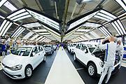 Produktion im VW Werk: Überprüfung der fertigen Autos im Lichttunnel / 090317<br /> <br /> <br /> ***Production of VW cars such as Golf and E Golf at the factory in Wolfsburg, Germany on March 9, 2017***