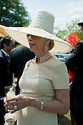 LADY COLIN CAMPBELL, Lunch part hosted by Liz Brewer and Mrs. George Piskova in No; 1 car-park. . Royal Ascot. Tuesday. 14 June 2011. <br /> <br />  , -DO NOT ARCHIVE-© Copyright Photograph by Dafydd Jones. 248 Clapham Rd. London SW9 0PZ. Tel 0207 820 0771. www.dafjones.com.