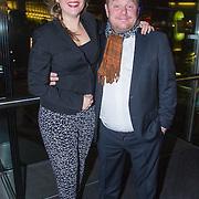 NLD/Amsterdam/20151124 - Premiere Hallo Bungalow, Martijn Fischer en partner Annemarie Ubbels