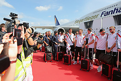 15.07.2014, Flughafen Tegel, Berlin, GER, FIFA WM, Empfang der Weltmeister in Deutschland, Finale, im Bild Die deutsche Nationalmannschaft an der Lufthansa/Fanhansa Maschine // during Celebration of Team Germany for Champion of the FIFA Worldcup Brazil 2014 at the Flughafen Tegel in Berlin, Germany on 2014/07/15. EXPA Pictures © 2014, PhotoCredit: EXPA/ Eibner-Pressefoto/ Eibner Pressefoto / pool<br /> <br /> *****ATTENTION - OUT of GER*****