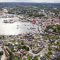 Lillesand, 20090817.<br /> Lillesand fra sjøsiden; sett fra luften en augustdag.<br /> Foto: Tor Erik Schrøder