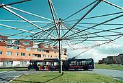 Nederland, Arnhem, 4-3-2002Trolleybus op het keerpunt in nieuwbouwwijk van Arnhem. ElektriciteitOpenbaar vervoer, milieuvriendelijk vervoerFoto: Flip Franssen/Hollandse Hoogte