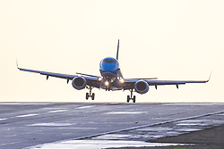 © Licensed to London News Pictures. 29/01/2020. Leeds UK. A KLM aircraft struggles to land in strong winds today at Leeds Bradford Airport. Photo credit: Andrew McCaren/LNP