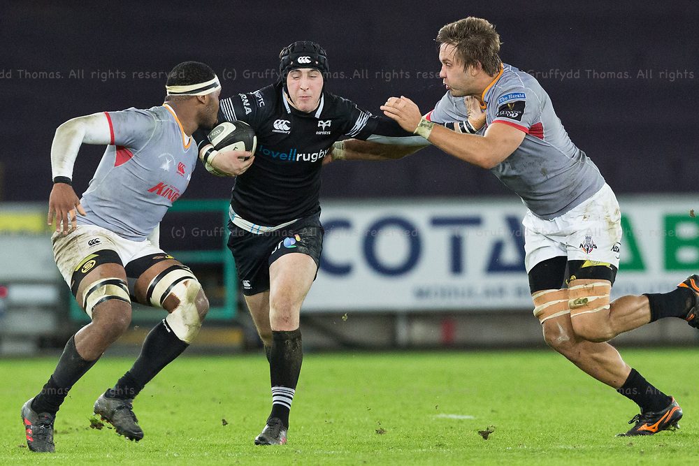 Liberty Stadium, Swansea, Wales, UK. Friday 16 February 2018.  Ospreys fly half Sam Davies on the attack in the Guinness Pro14 match between Ospreys and Southern Kings.