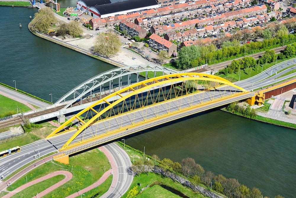 Nederland, Utrecht, Utrecht, 09-04-2014;<br /> Hoge Weidebrug (Hogeweidebrug) ook De Gele Brug over het Amsterdam-Rijnkanaal. Vleutenseweg.<br /> Bridge crossing Amsterdam-Rhine channell.<br /> luchtfoto (toeslag op standard tarieven);<br /> aerial photo (additional fee required);<br /> copyright foto/photo Siebe Swart