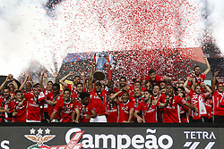 May 13, 2017 - Lisbon, Portugal - Benfica's players hold the cup after winning their 36th title at the end of the Portuguese Premier League 2016/17  football match between SL Benfica vs Vitoria Guimaraes SC at the Luz stadium in Lisbon on May 13, 2017. (Credit Image: © Carlos Palma/NurPhoto via ZUMA Press)