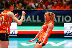 20180529 NED: Volleyball Nations League Netherlands - Poland, Apeldoorn<br />Lonneke Sloetjes (10) of The Netherlands, Maret Balkestein - Grothues (6) of The Netherlands <br />©2018-FotoHoogendoorn.nl