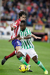 27.10.2013, Estadio Vicente Calderon, Madrid, ESP, Primera Division, Atletico Madrid vs Real Betis, 10. Runde, im Bild Atletico de Madrid's Tiago (B) and Real Betis Cedrick (F) // Atletico de Madrid's Tiago (B) and Real Betis Cedrick (F) during the Spanish Primera Division 10th round match between Club Atletico de Madrid and Real Betis at the Estadio Vicente Calderon in Madrid, Spain on 2013/10/28. EXPA Pictures © 2013, PhotoCredit: EXPA/ Alterphotos/ Victor Blanco<br /> <br /> *****ATTENTION - OUT of ESP, SUI*****