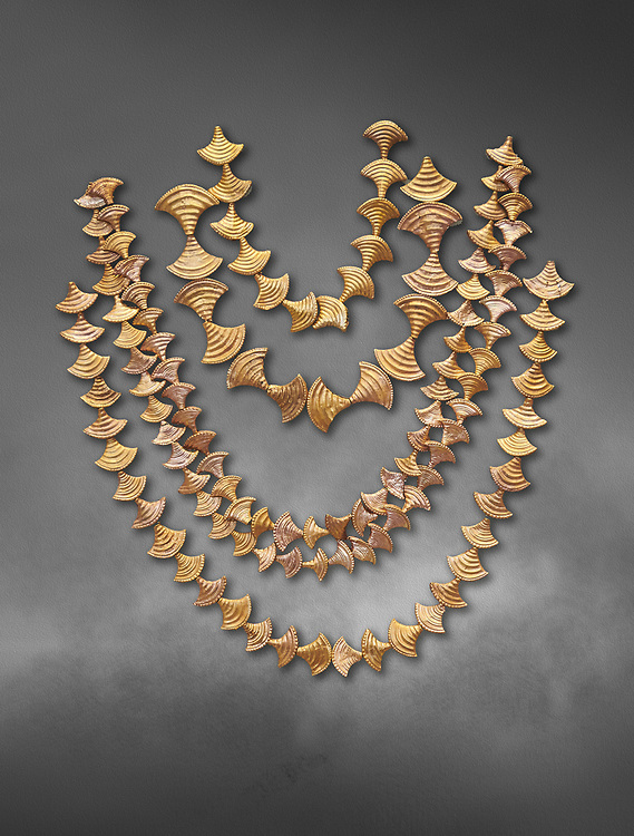 Mycenaean gold necklaces from the Mycenae chamber tombs, Greece. National Archaeological Museum Athens. Grey art Background <br /> <br /> From top to bottom: <br /> <br /> Top four  necklaces in the shape of papyrus flowers .<br /> <br /> Fifth necklace down in the shape of Ivy leaves from tomb 91 Cat No 3186 .<br /> <br /> If you prefer to buy from our ALAMY PHOTO LIBRARY  Collection visit : https://www.alamy.com/portfolio/paul-williams-funkystock/mycenaean-art-artefacts.html . Type -   Athens    - into the LOWER SEARCH WITHIN GALLERY box. Refine search by adding background colour, place, museum etc<br /> <br /> Visit our MYCENAEN ART PHOTO COLLECTIONS for more photos to download  as wall art prints https://funkystock.photoshelter.com/gallery-collection/Pictures-Images-of-Ancient-Mycenaean-Art-Artefacts-Archaeology-Sites/C0000xRC5WLQcbhQ