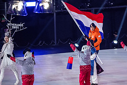 09-02-2018 KOR: Olympic Games day -1, PyeongChang<br /> Openingsceremonie Pyeongchang 2018 Olympic Winter Games / Vlaggendrager Jan Smeekers NED