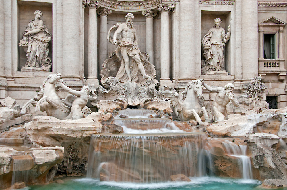 Trevi Fountain daytime.