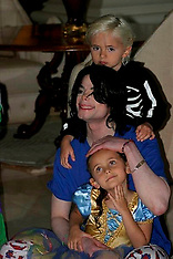 Michael Jackson and his kids together - 18 March 2019