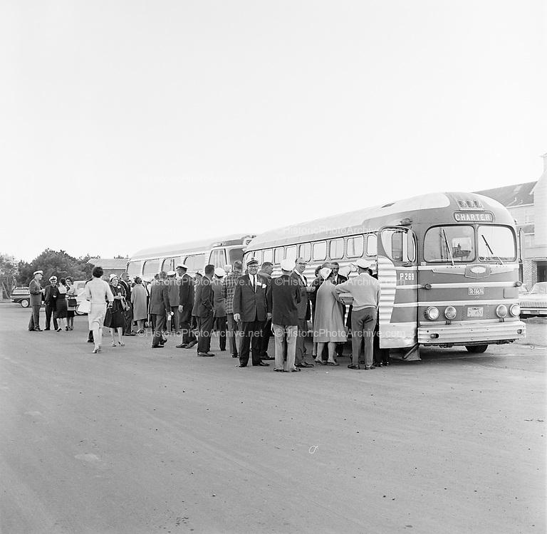 Y-620916-02-07. Oregon Restaurant Association first annual convention, Hotel Gearhart, Surfside Motel. September 16/17/18, 1962
