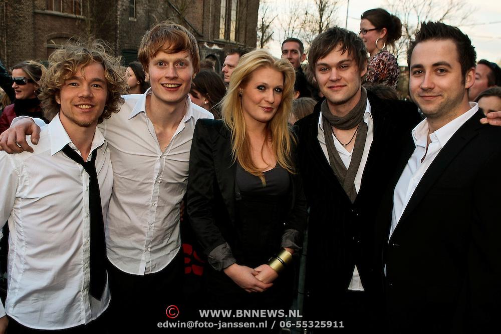 NLD/Amsterdam/20100415 - Uitreiking 3FM Awards 2010, Miss Montreal, Kobus Groen (Basgitaar & Backingvocals), Michi Schwiemann (Gitaar) en Thijs Rensink en Sanne Hans