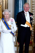 Staatsbezoek van Koning Willem Alexander en Koningin Máxima aan het Verenigd Koninkrijk<br /> <br /> Statevisit of King Willem Alexander and Queen Maxima to the United Kingdom<br /> <br /> Op de foto / On the photo: Staatsbanket in Buckingham Palace waar koningin Maxima het Diadeem / Tiara met de  Stuart diamant draagt Koning Willem Alexander en koningin Maxima met Koningin Elizabeth en Prins Charles<br /> <br /> State banquet in Buckingham Palace where Queen Maxima wears the Diadem / Tiara with the Stuart diamond King Willem Alexander and Queen Maxima with Queen Elizabeth and Prince Charles