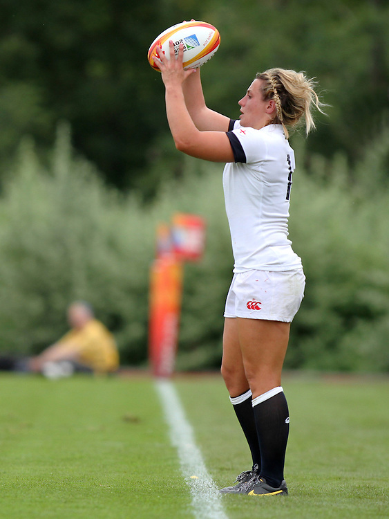 Vicky Fleetwood in action. England v Canada Pool A match at WRWC 2014 at Centre National de Rugby, Marcoussis, France, on 9th August 2014