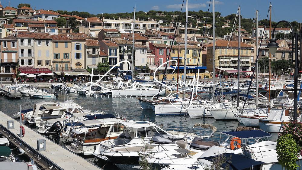 FRANKRIJK - Cassis - Haven met boten . ANP COPYRIGHT KOEN SUYK