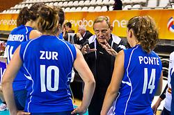 09-06-2012 VOLLEYBAL: EUROPEAN LEAGUE NEDERLAND - ISRAEL: ALMERE<br /> Arie Selinger, Coach Israel<br /> ©2012-FotoHoogendoorn.nl / Peter Schalk