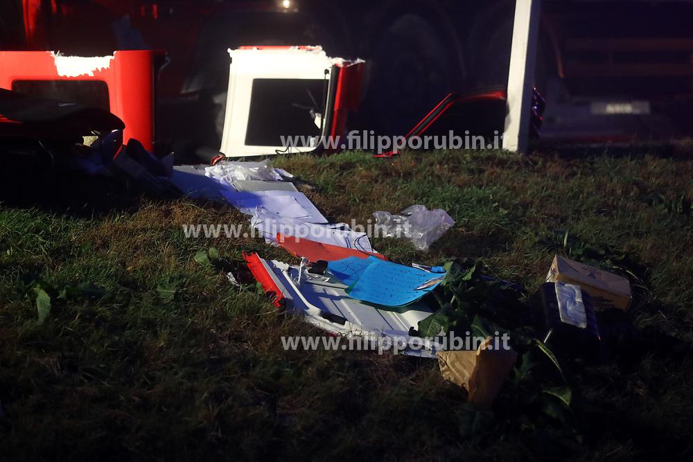 INCIDENTE MORTALE AUTO CONTRO CAMION AUTOSTRADA A13 CHIESUOL FOSSO