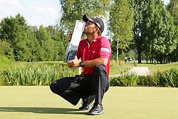 28.06.2015, Golfclub München Eichenried, Muenchen, GER, BMW International Golf Open, Tag 4, im Bild Pablo Larrazabal (ESP) mit dem Pokal in der Hand und kuesst ihn // during te finals of BMW International Golf Open at the Golfclub München Eichenried in Muenchen, Germany on 2015/06/28. EXPA Pictures © 2015, PhotoCredit: EXPA/ Eibner-Pressefoto/ Kolbert<br /> <br /> *****ATTENTION - OUT of GER*****