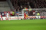 Deutschland, Hamburg. 12.02.16 2. Fussball Bundesliga Saison 2015/16 - 21. Spieltag FC St. Pauli - RasenBallsport Leipzig<br /> im Millerntorstadion<br /> <br /> Marc Rzatkowski (St. Pauli, l.) erzielt das 1:0<br /> <br /> © Torsten Helmke